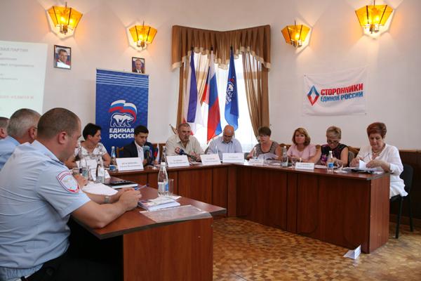 Сторонники обсудили качество детского отдыха и оздоровления в Крыму