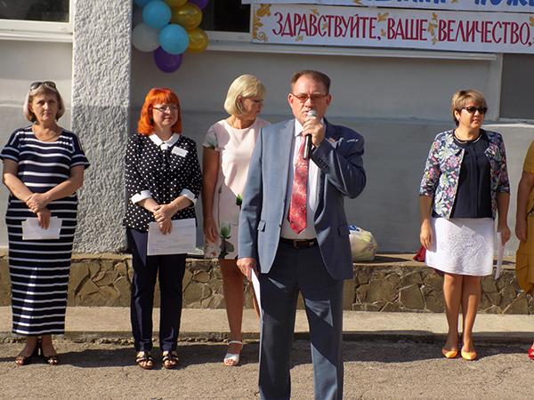 Александр Шувалов поздравил с Днем знаний учащихся Симферопольских учебных заведений