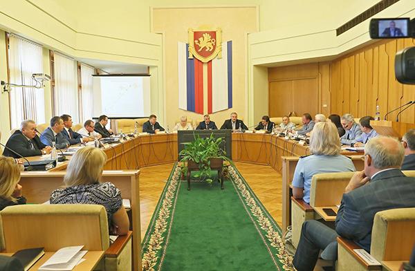 Владимир Константинов определил приоритеты работы на новый парламентский сезон