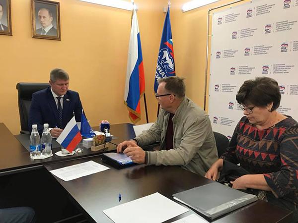Михаил Шеремет провел приём граждан в Симферополе