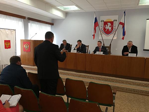 Константин Бахарев посетил Ленинский район