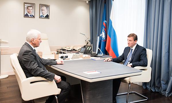 Андрей Турчак обсудил вопросы текущей повестки на рабочей встрече